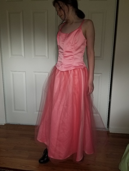 Jessica McClintock  for Gunne Sax Dresses & Skirts - Coral pink formal gown tulle over satin